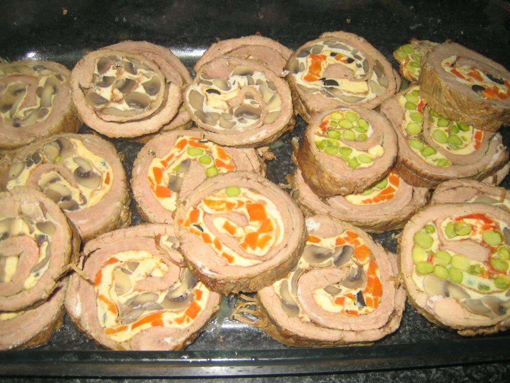 Ternera rellena con tortillas aprende cocina - Redondo relleno de ternera al horno ...